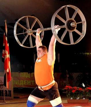 Oleksandr Lashyn Raising the Axle